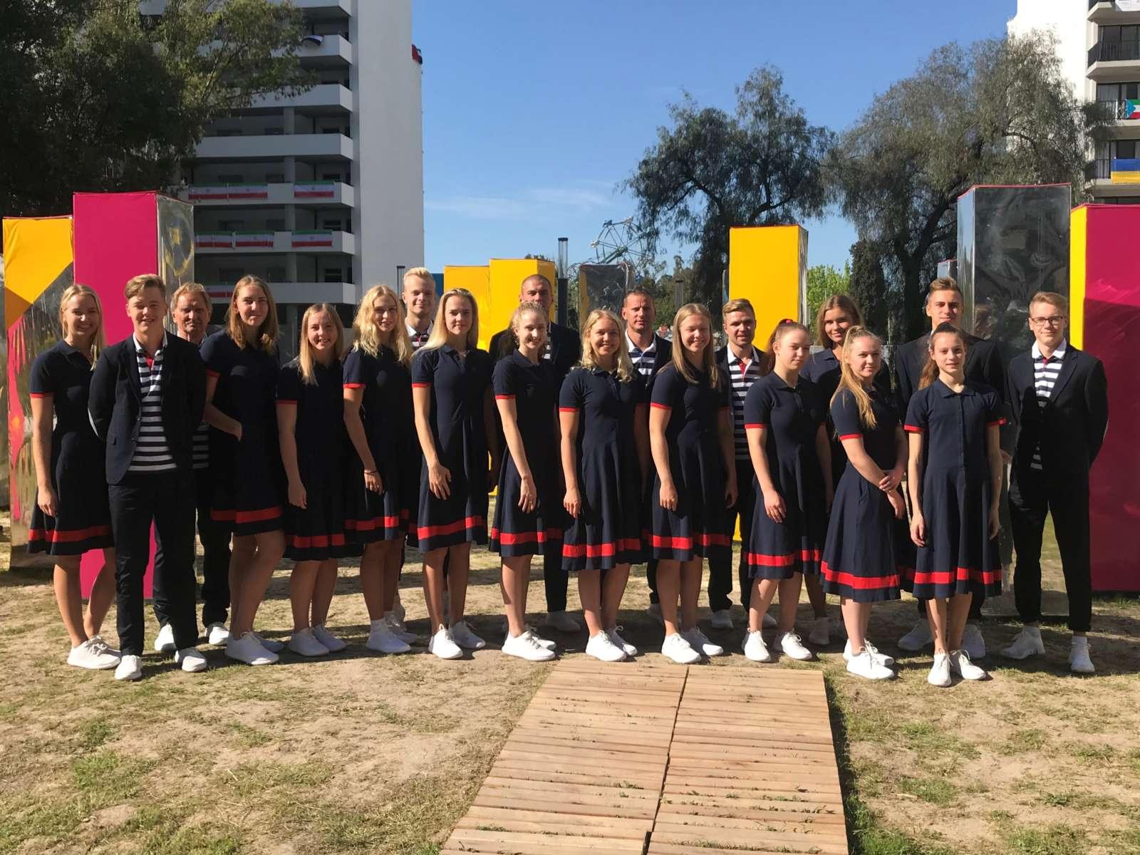 Eesti delegatsiooni lipukandja noorte OM-i lõputseremoonial on pronksmedalist Greta Jaanson