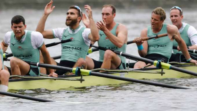 The Boat Race: Cambridge seljatas veenvalt Oxfordi
